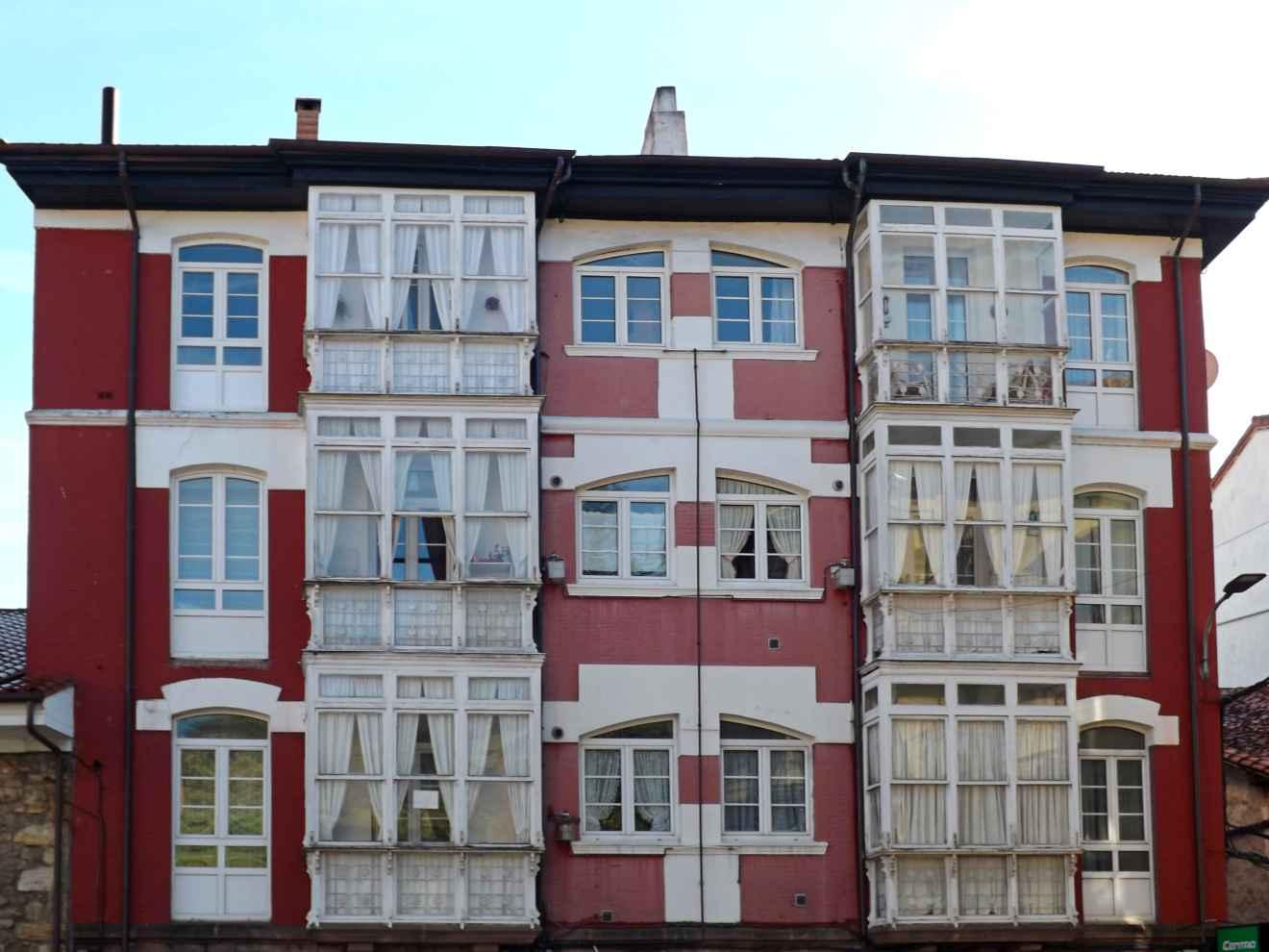 Edificio en la calle Igareda