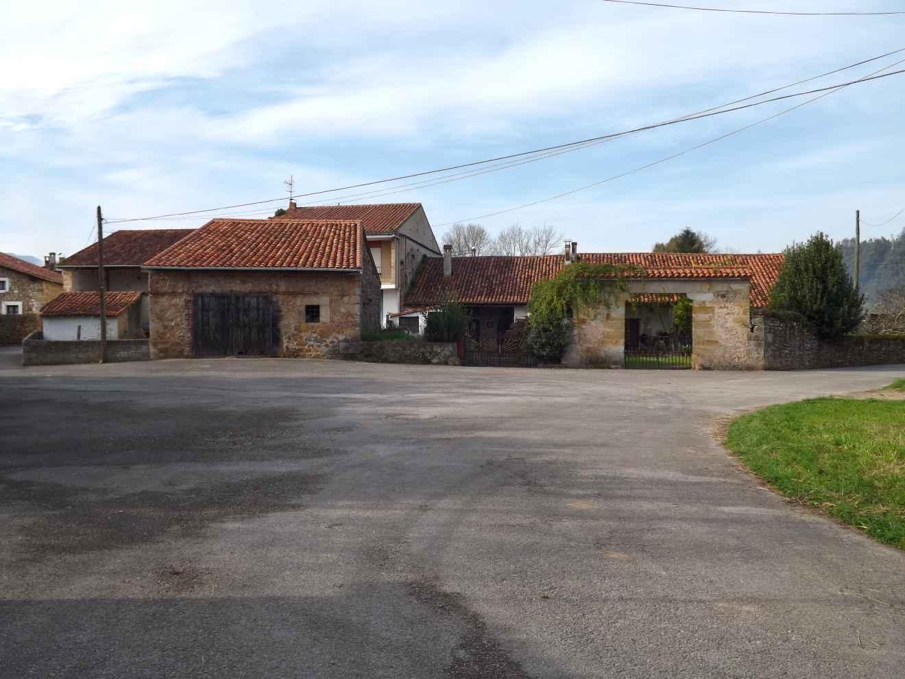 Casa Llana adosada en Ontoria