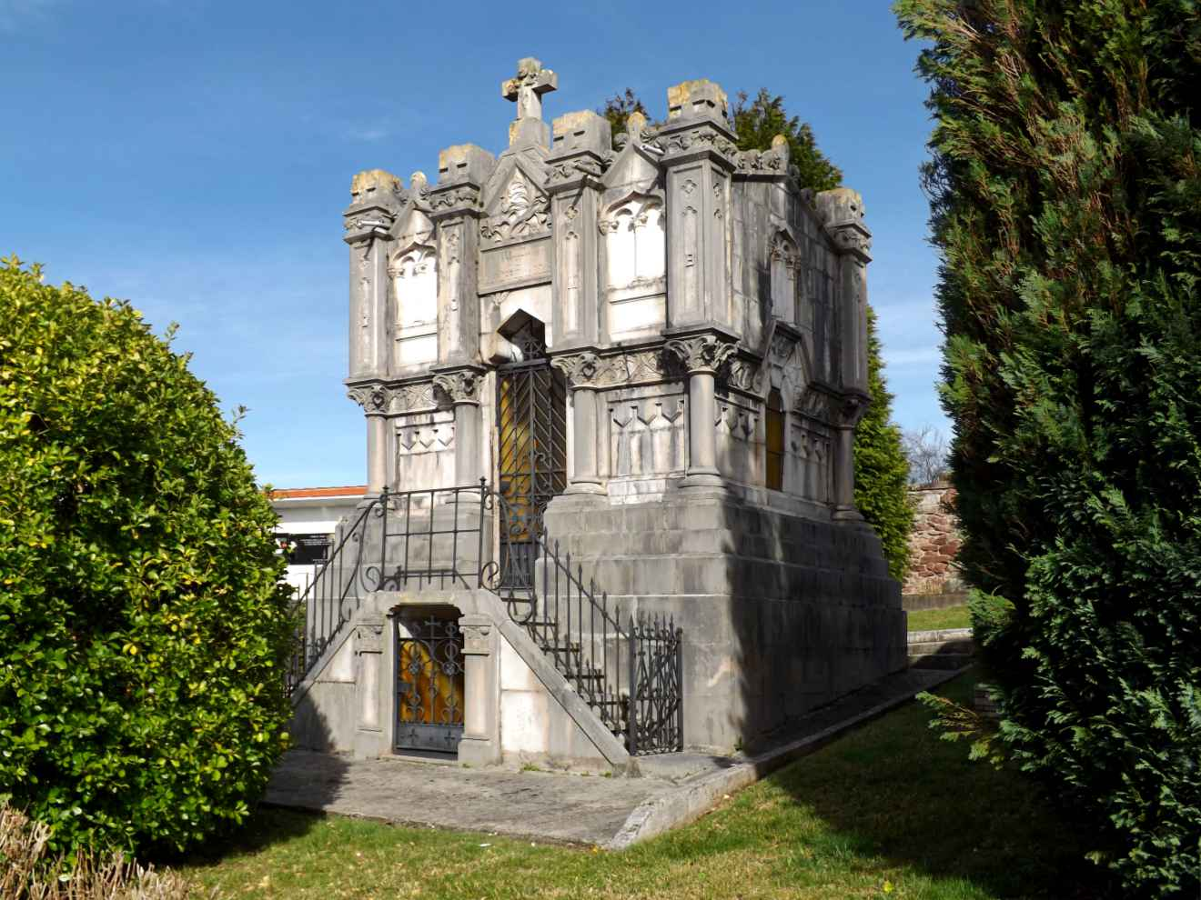 Panteón de Gutiérrez de Celis
