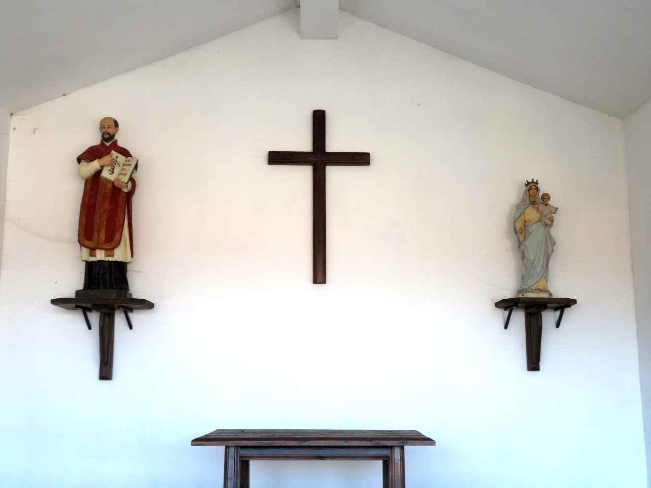Interior de la capilla de San Ignacio en Cabrojo
