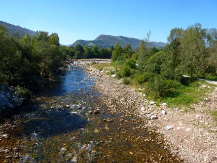 Senda del Minchón y río Saja