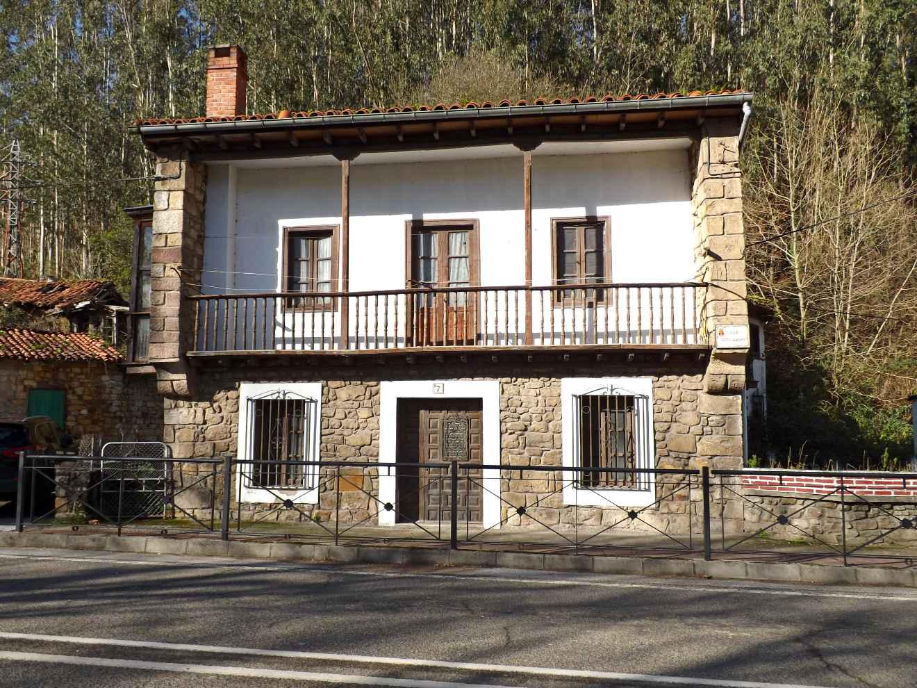 Casa montañesa en la villa