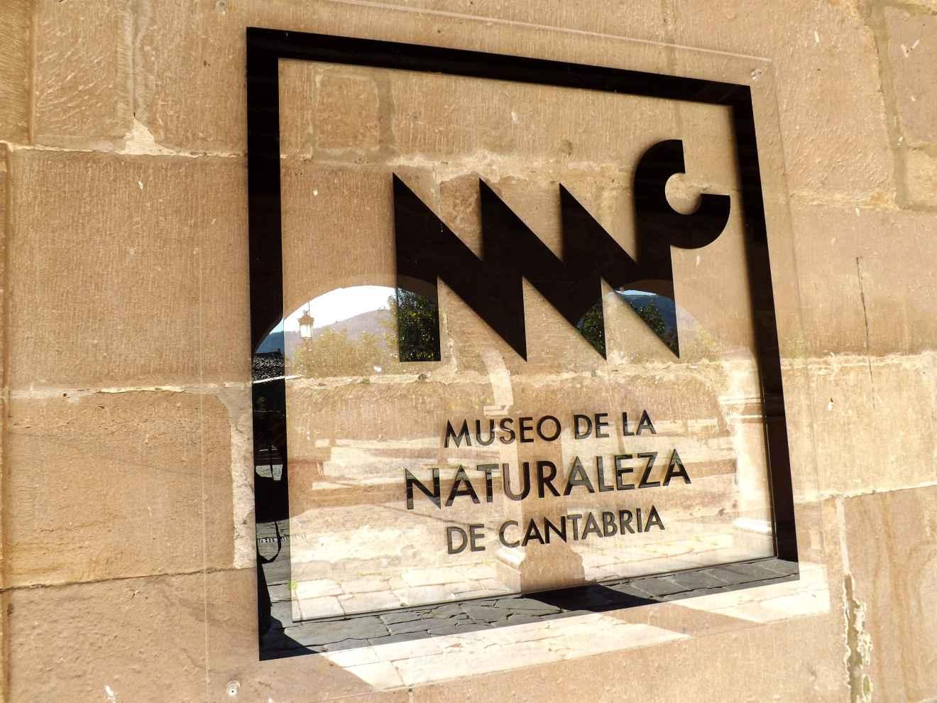 Cartel del Museo de la Naturaleza