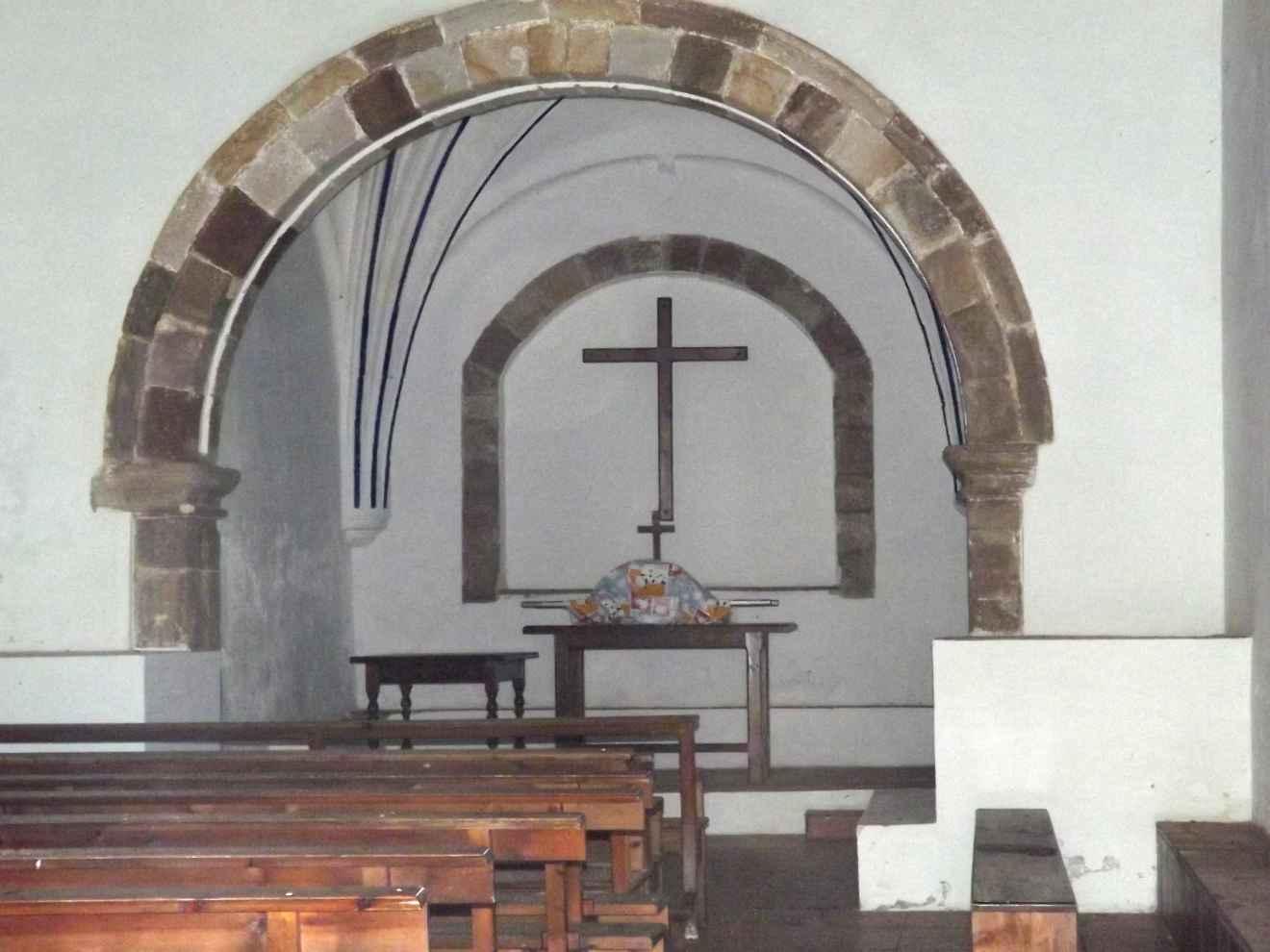 Interior de la capilla de la Virgen de las Nieves