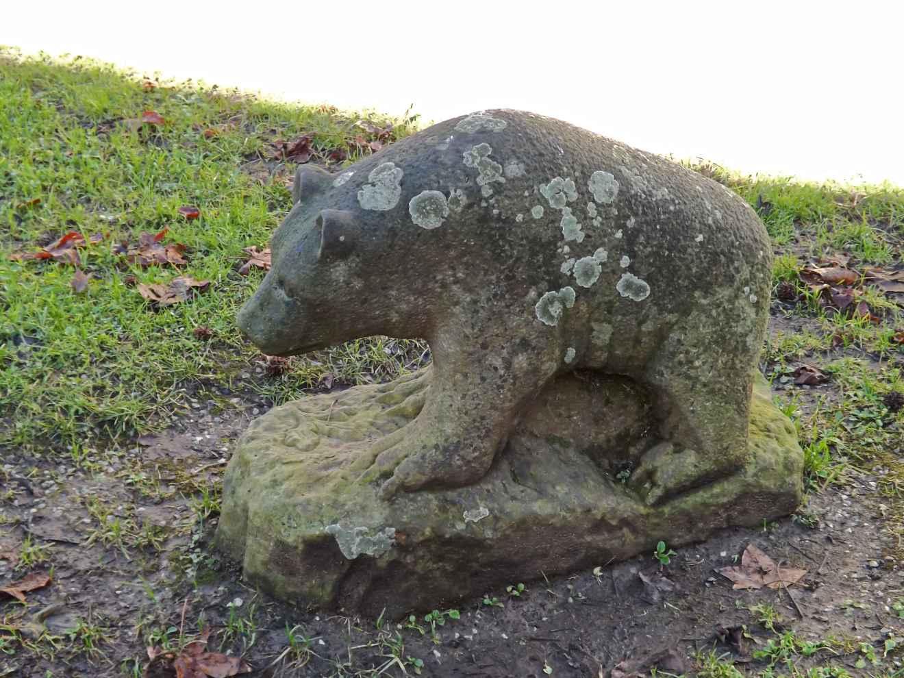 Estatua en el parque del ayuntamiento
