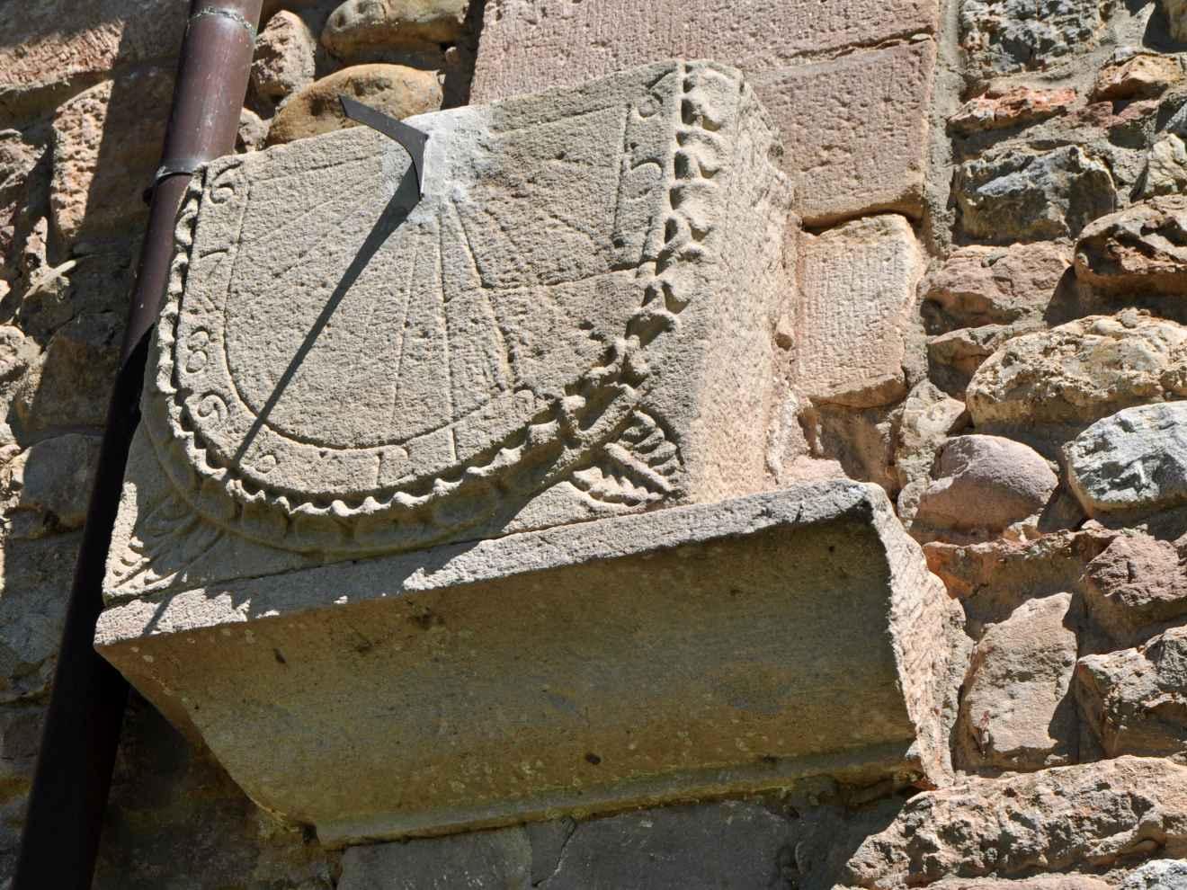 Reloj solar de la iglesia de Santibáñez