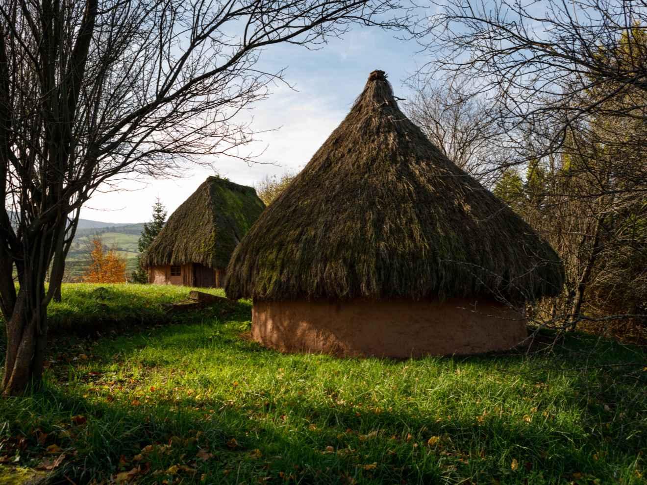 poblado cántabro cabaña circular