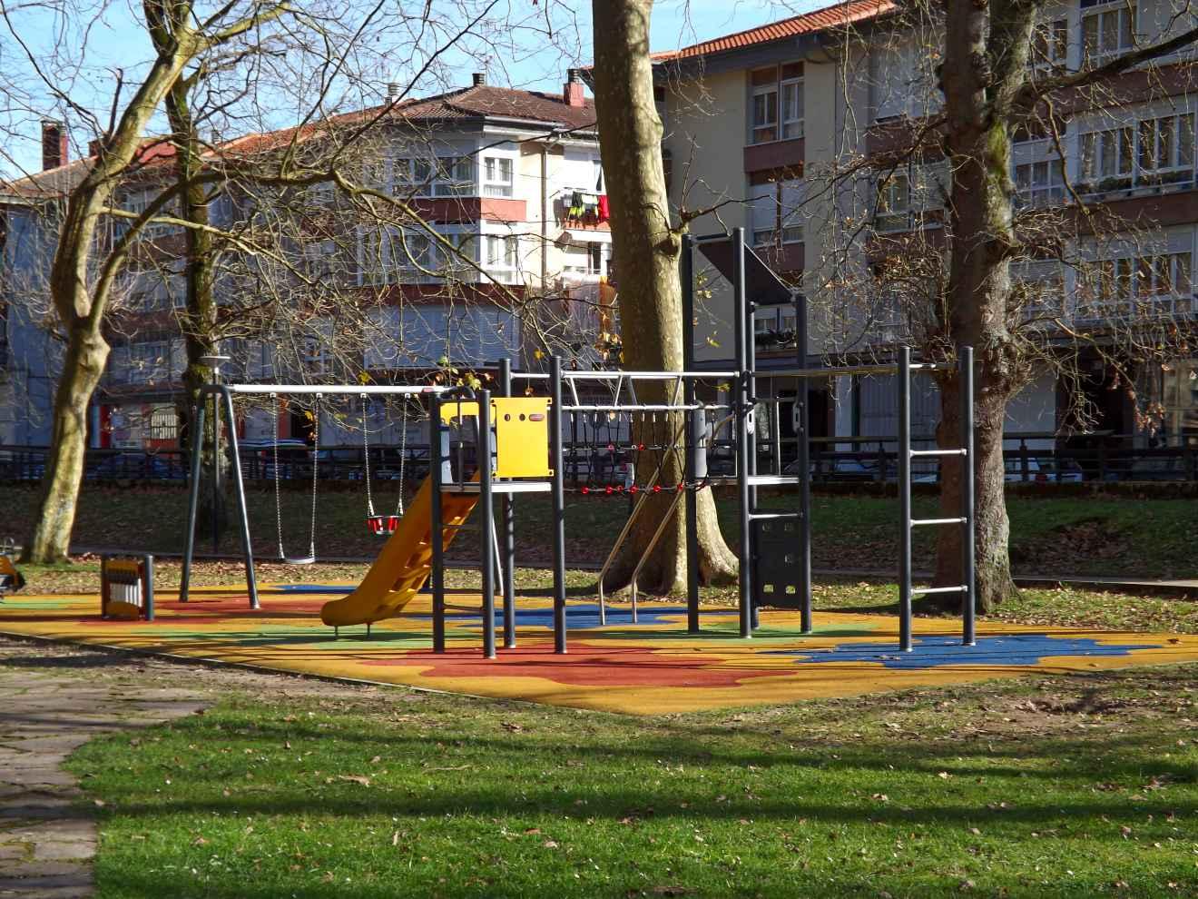 Juegos infantiles del parque de la Losa
