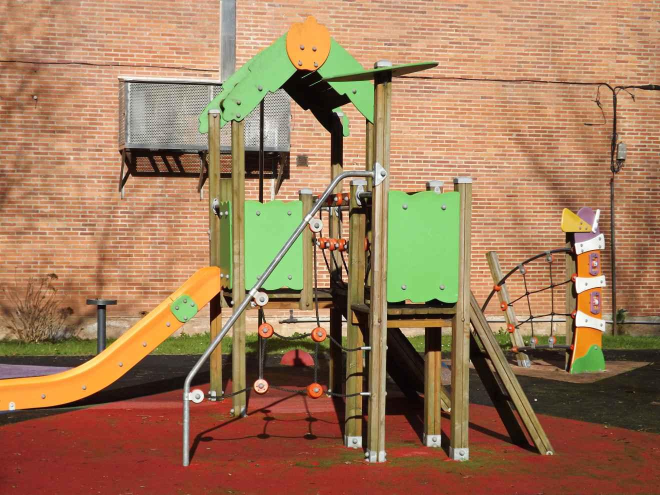 Juegos infantiles del parque San Diego
