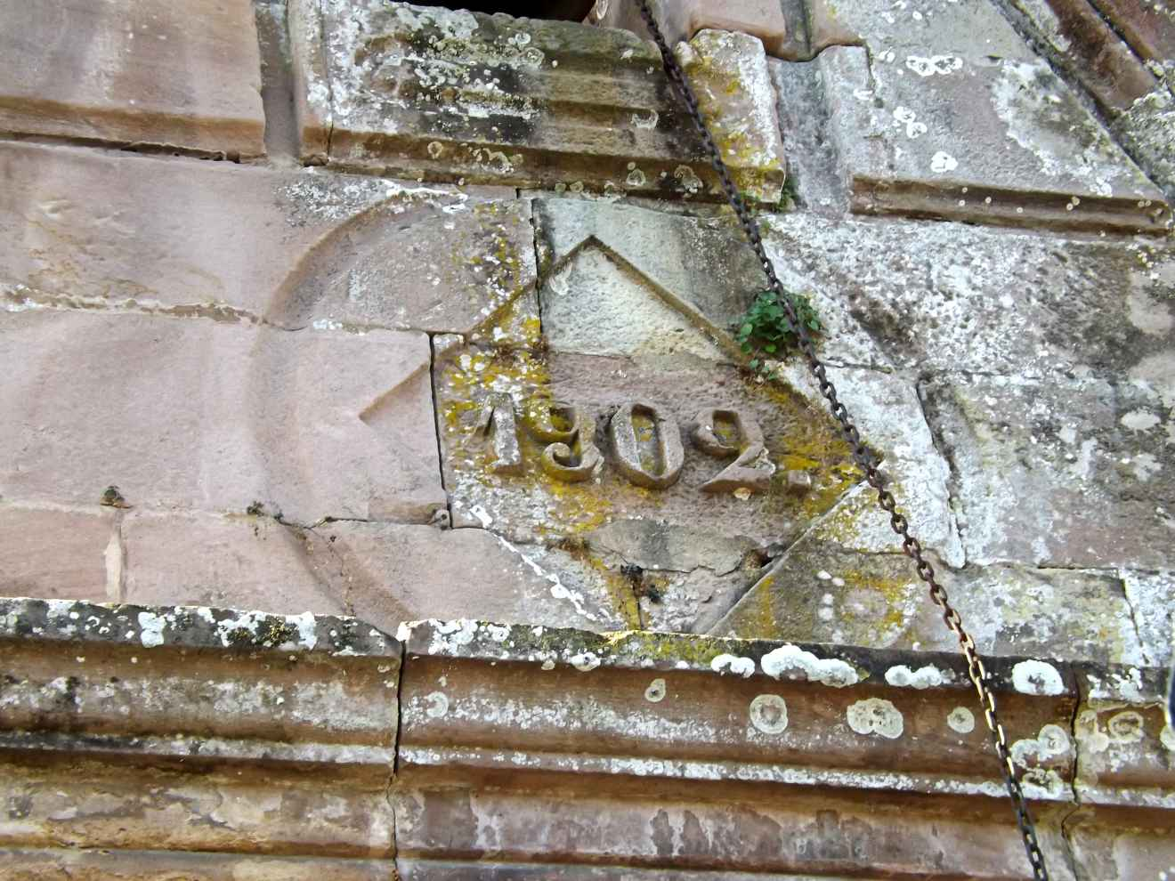 Detalle de la capilla de San Roque en Periedo
