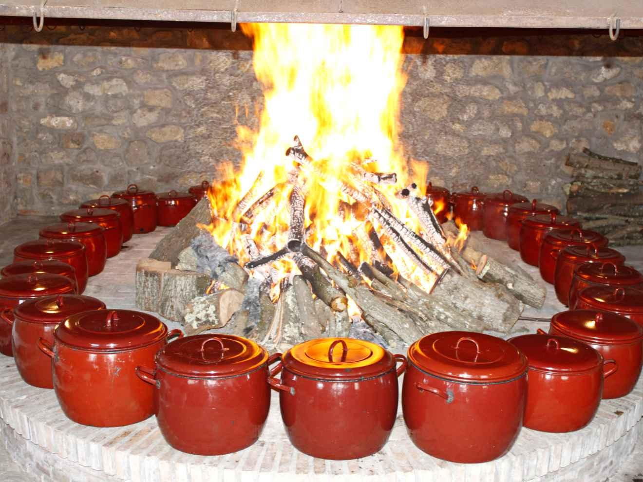 Las ollas al fuego
