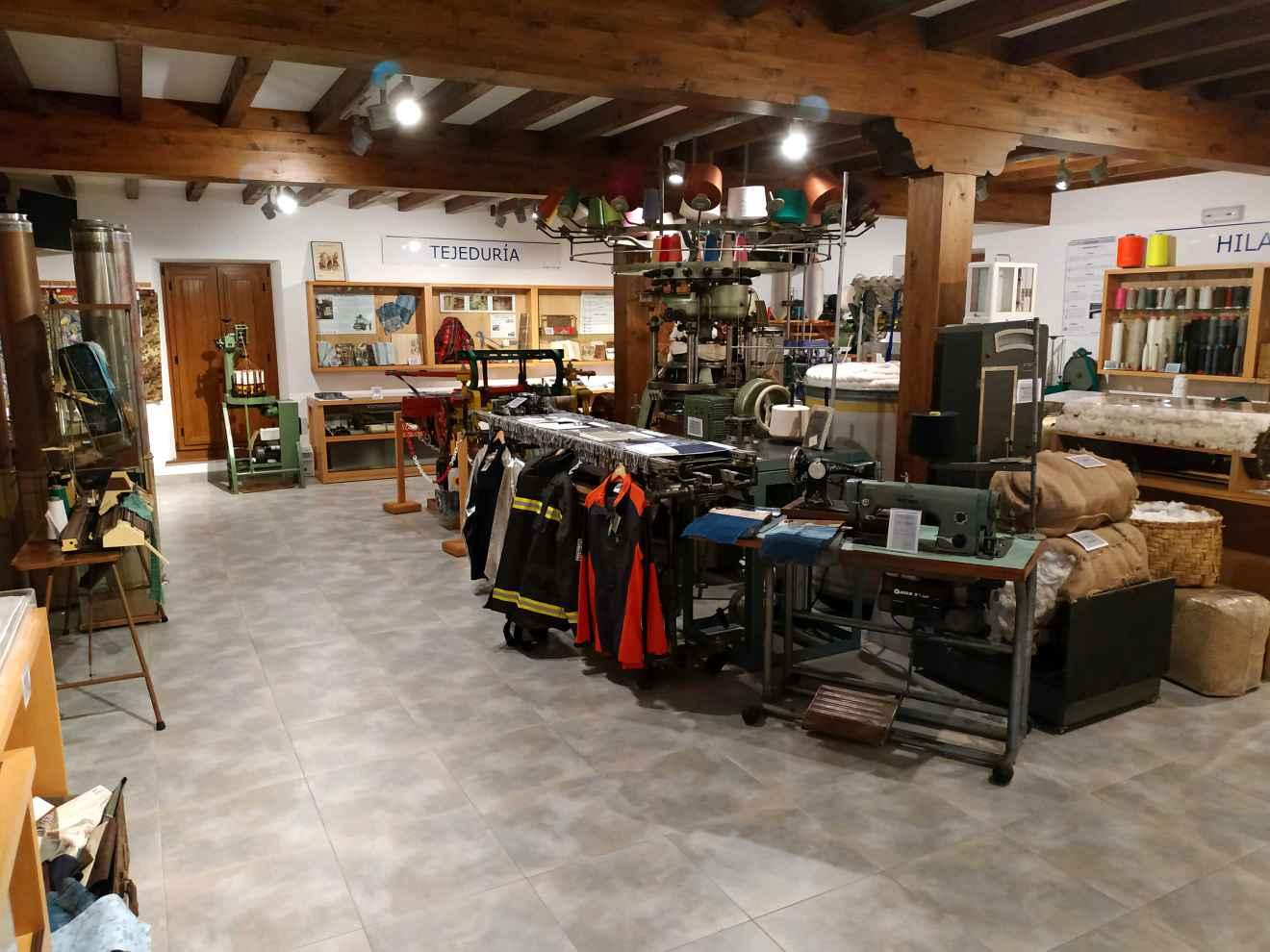 Sala del museo de Arte Textil